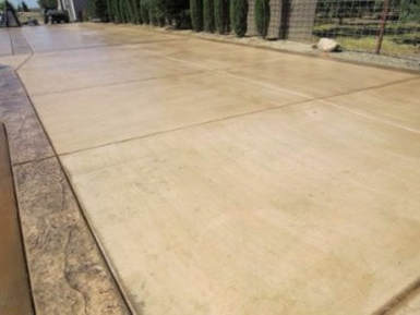 this is an image of lathrop concrete driveway