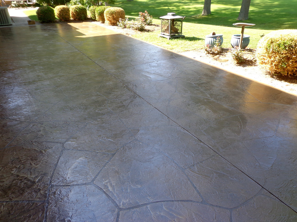 this is an image of merced concrete driveway