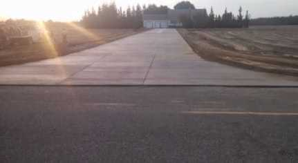 this is an image of concrete driveway contractor patterson california